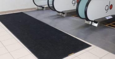 Грязезащитные ковры: аренда