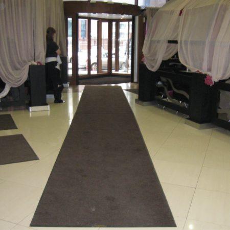 Аренда грязезащиных ковров в ТЦ