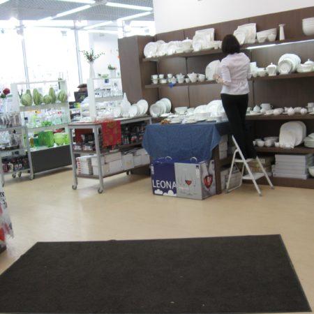 Аренда гярзезащитных ковров в ТЦ