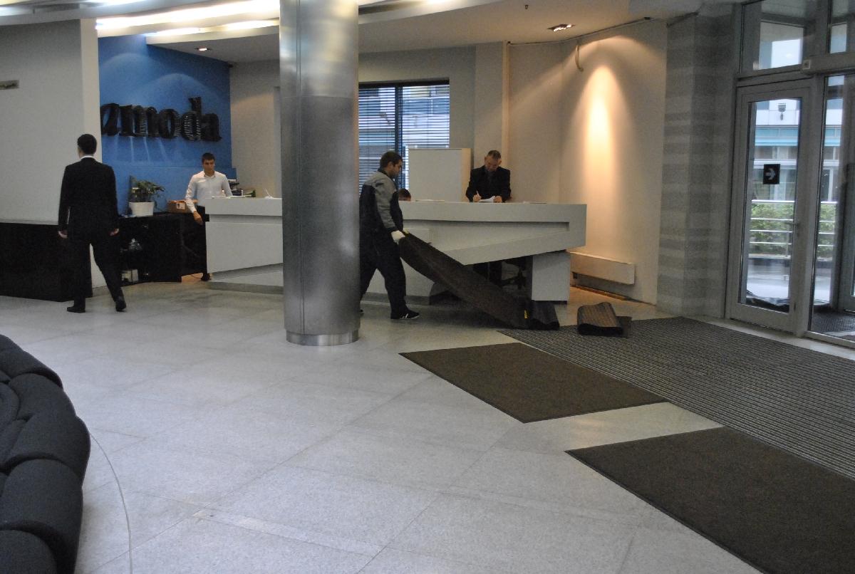 Аренда грязезащитных ковров для бизнес-центра