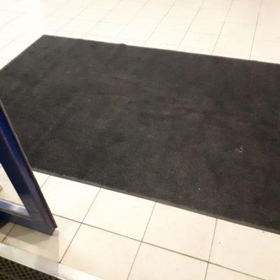 Ковры грязезащитные в аренду: сменные ковры
